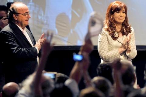 "Junto a Leopoldo Moreau, la presidenta Cristina Fern�ndez de Kirchner sostuvo que ""yo no estoy ac� como presidenta, sino como militante nacional y popular, que fui toda mi vida""."