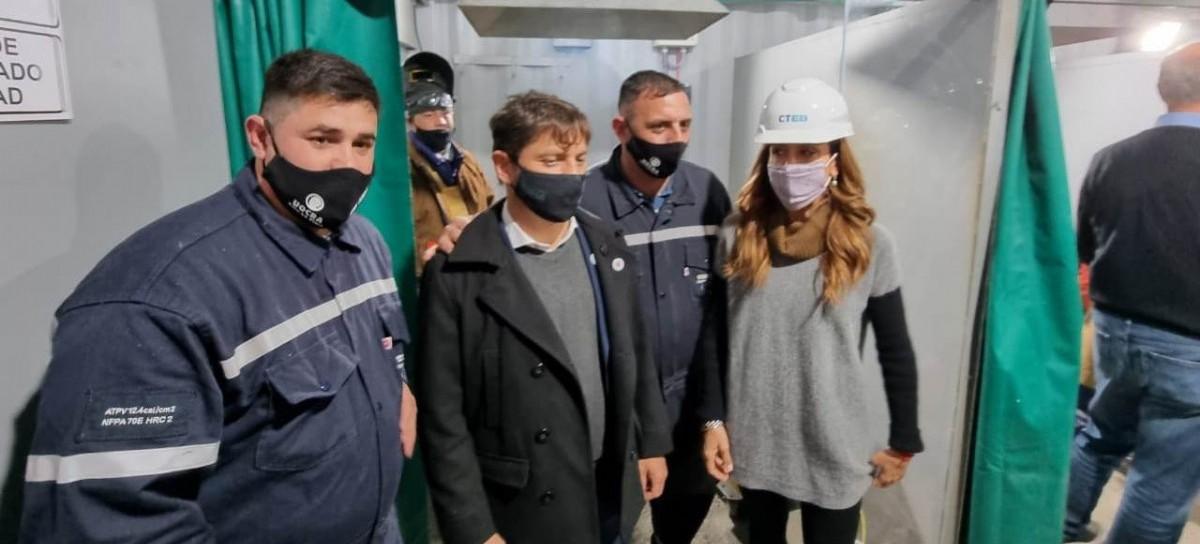 En medio de la fuerte interna, el gobernador Kicillof se mostró con un sector de la UOCRA La Plata