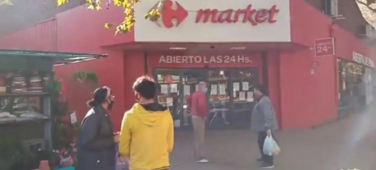 La Plata: ante un caso sospechoso de Coronavirus, Carrefour retiró a todos sus clientes y cerró