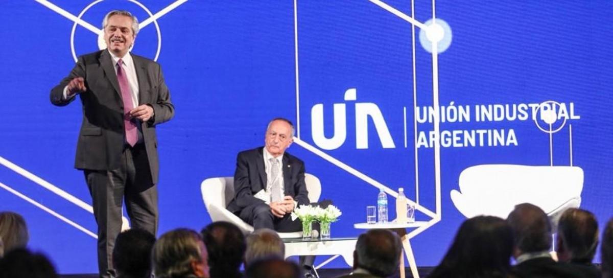 """Fernández en la UIA: """"No vamos a premiar a los que especulan, vamos a ayudar a los que producen"""""""
