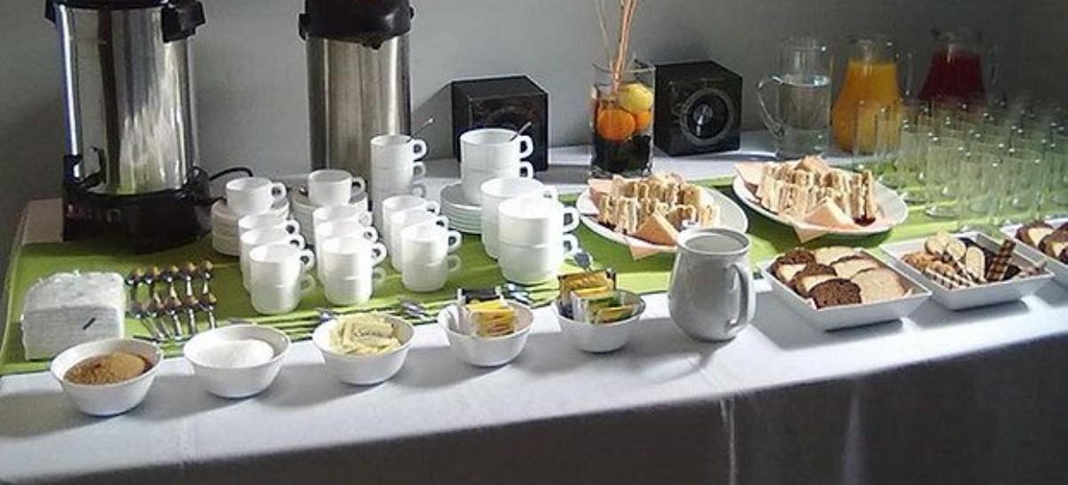 """El ceremonial de Berni no suspende sus """"coffee break"""": piensan gastar tres millones y medio de pesos"""