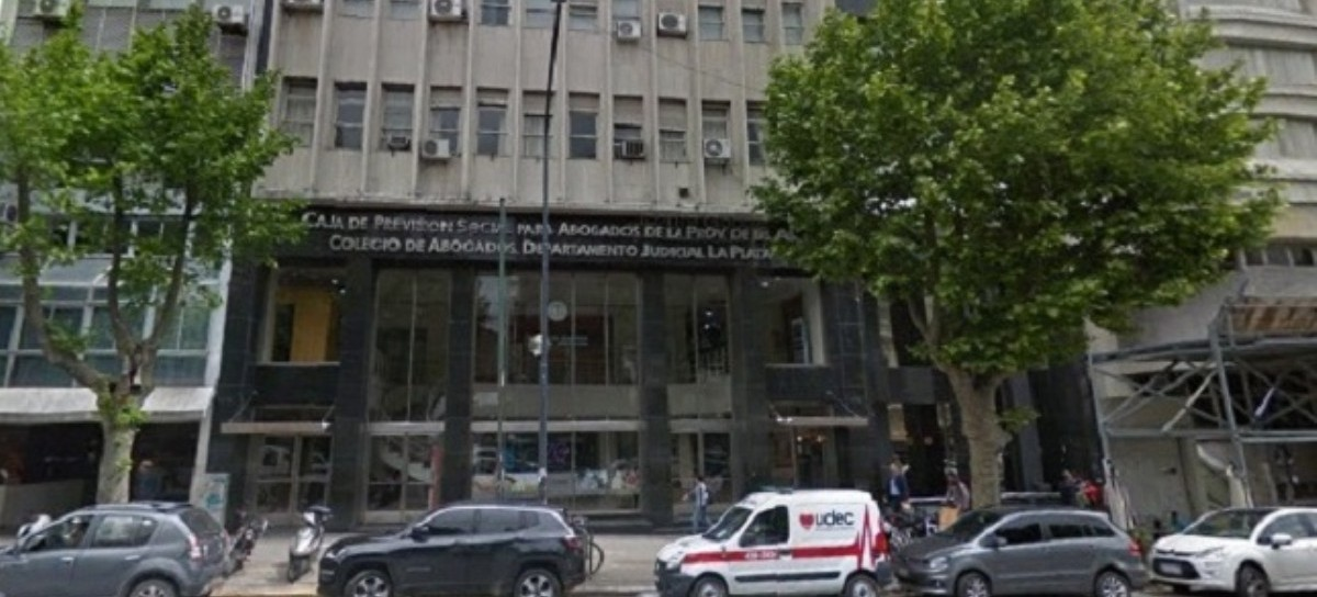 """Por su escrito """"nazi fascista"""" denuncian a funcionario de La Plata en el Comité de Ética de Abogados"""