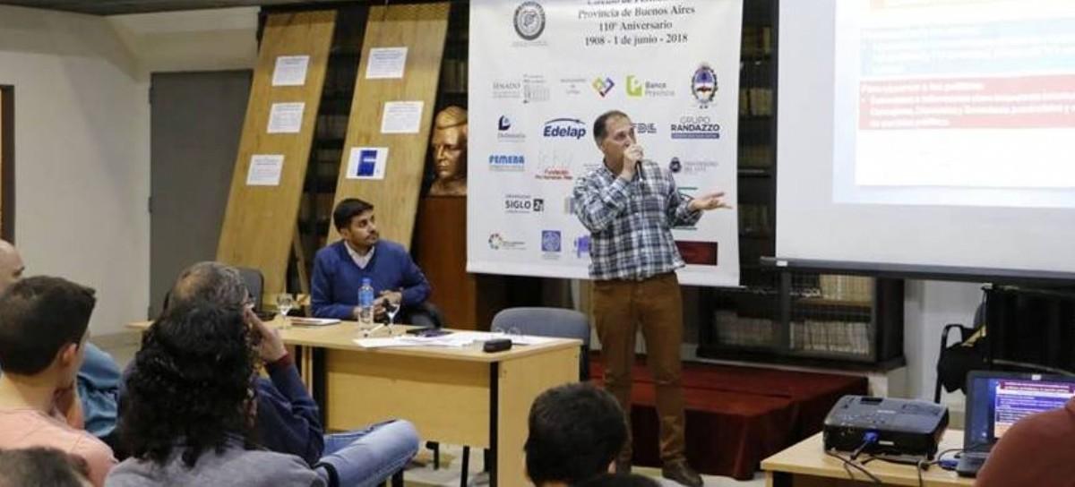 Presentaron en el Círculo de Periodistas de La Plata un libro especializado en Comunicación Política