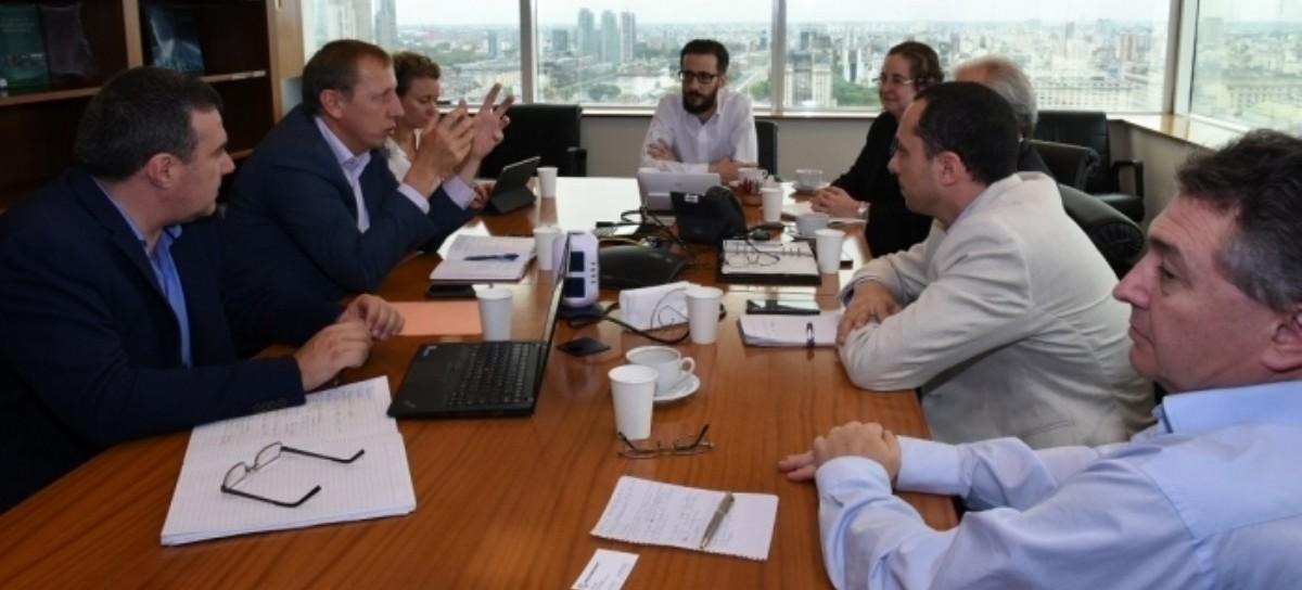 Un ministro de Kicillof con autoridades del Banco Mundial: prioridad, obras hidráulicas y escolares