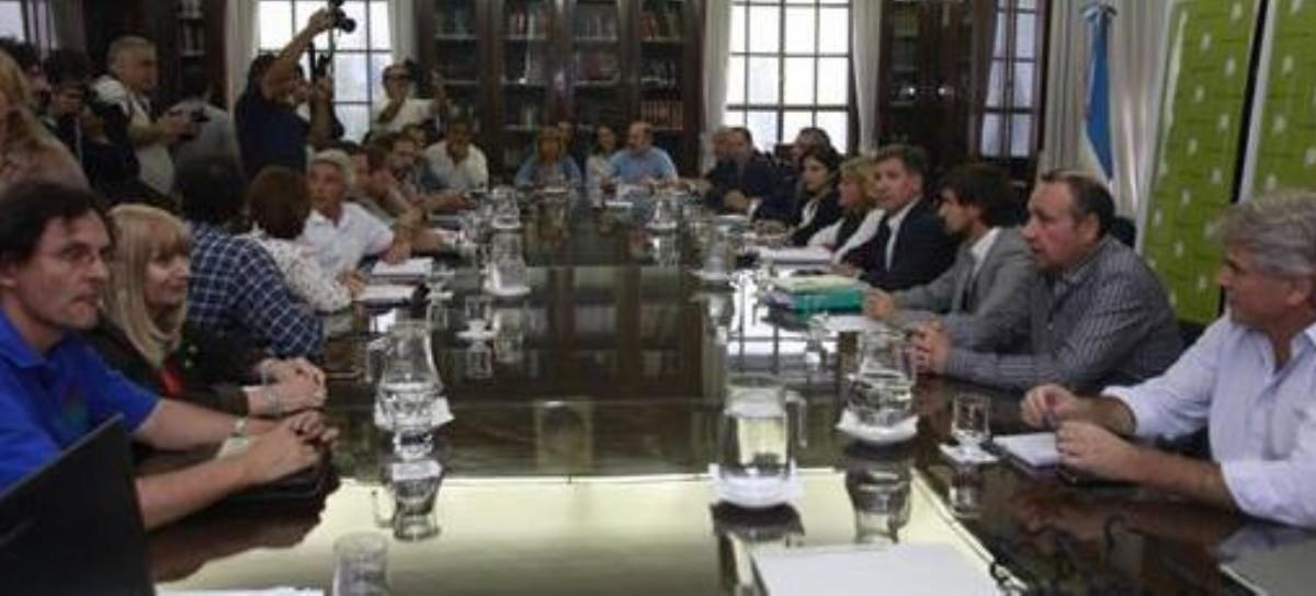 A dos semanas del cuarto intermedio, retoman las negociaciones salariales Gobierno-Gremios Docentes