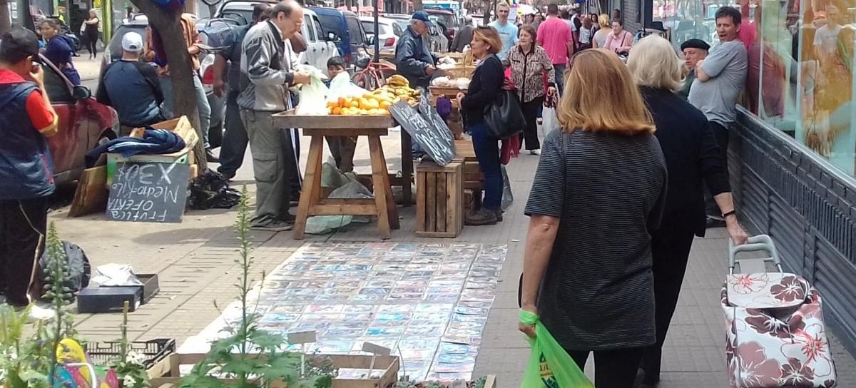 """El """"Mercado en Tu Centro"""" (de La Plata) avanza y no se detiene: un verdadero éxito comercial"""