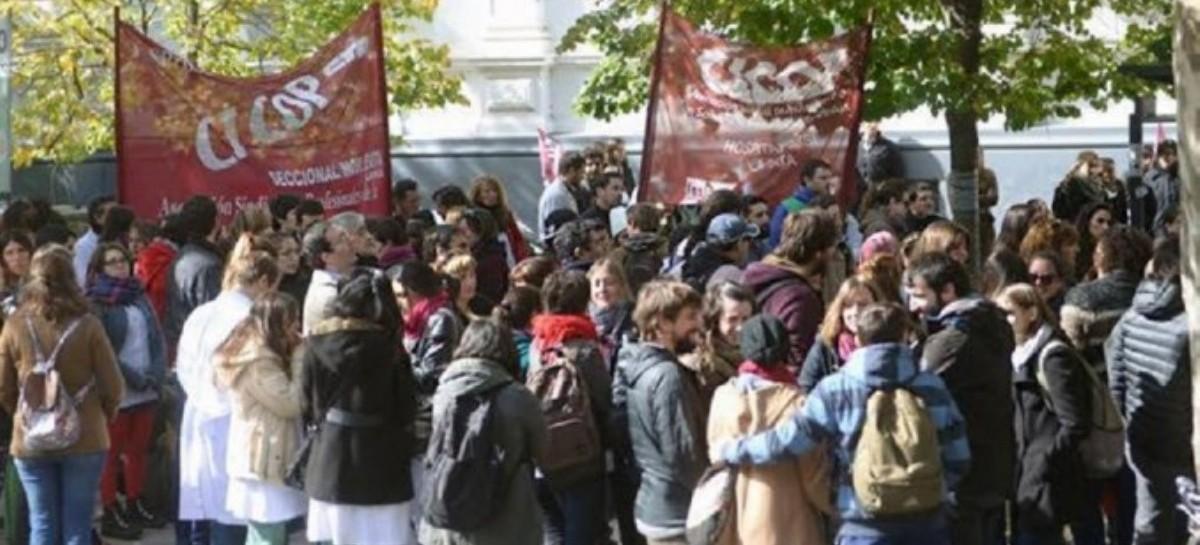Tras el acuerdo docente, continúan los reclamos de los médicos bonaerenses