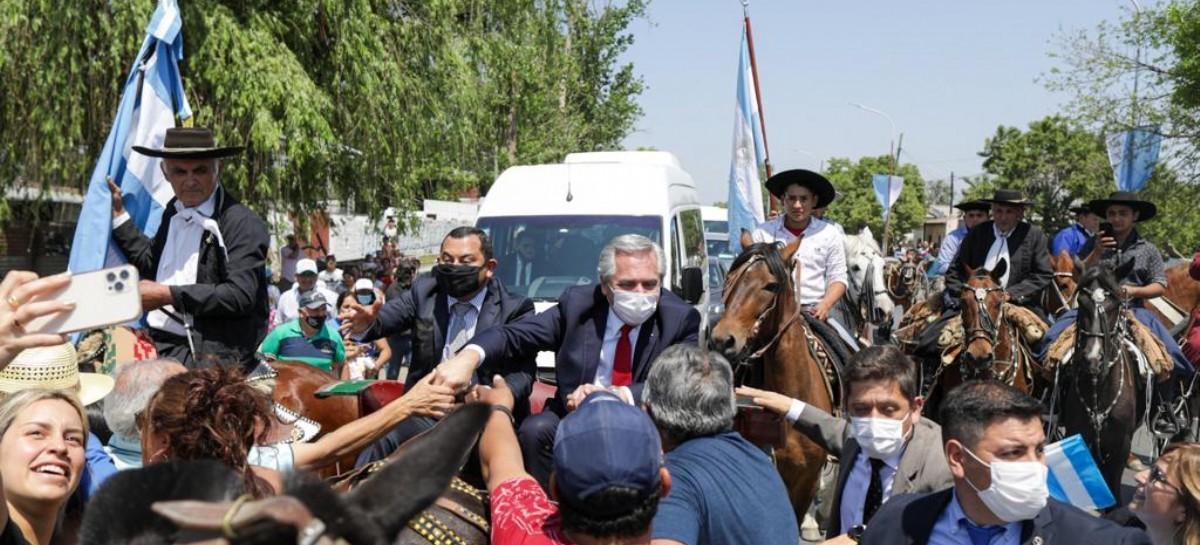 El presidente Fernández, en Tucumán, recorrió fábricas y la nueva sede de Gendarmería Nacional