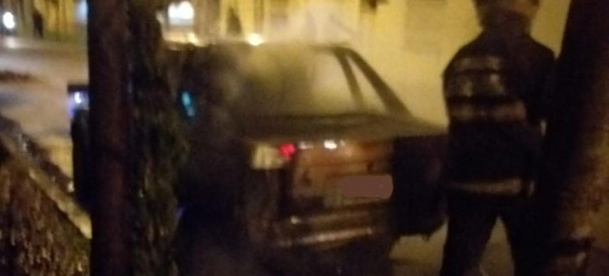 Ensenada: casi de manera sincronizada, les incendiaron los autos a dos policías