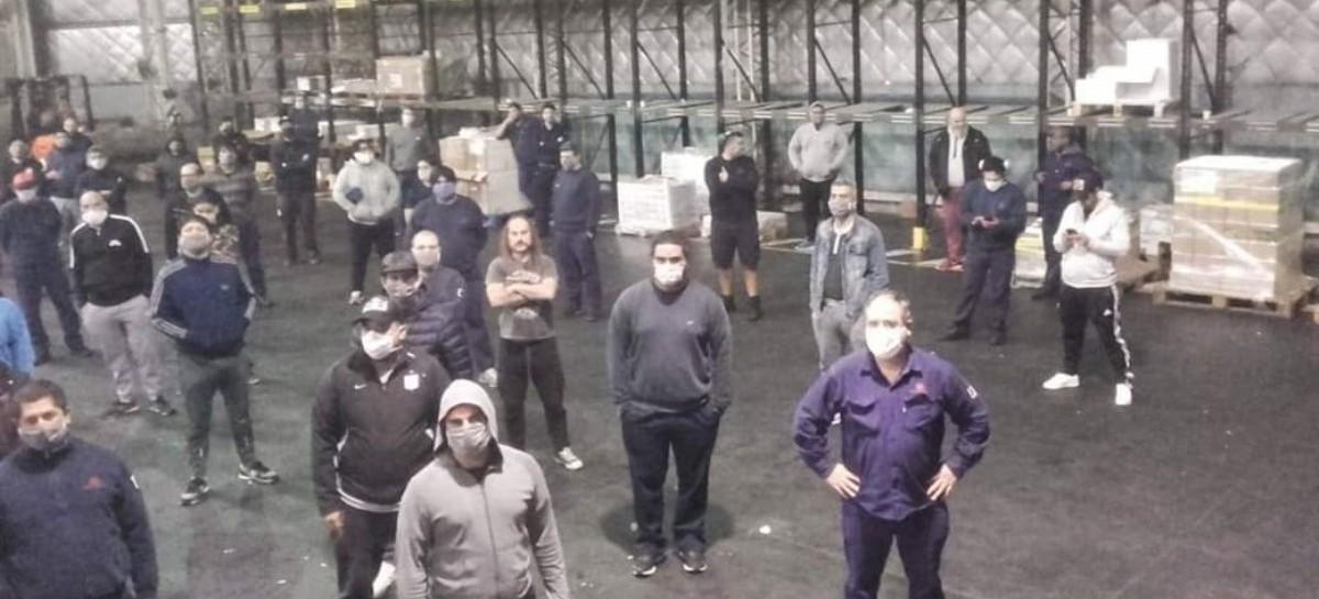 Avellaneda: trabajadores de la Gráfica Morvillo están en huelga por falta de pago de sus salarios
