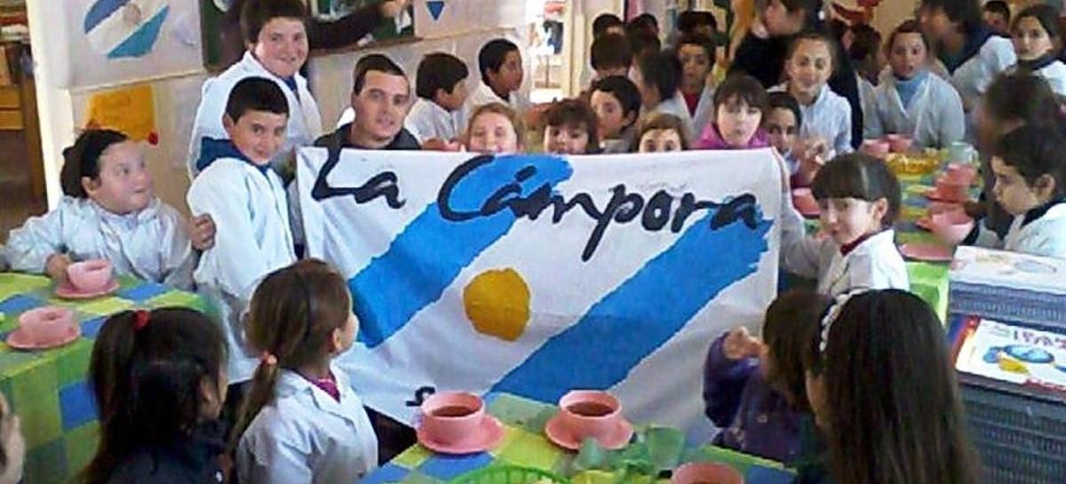 Educación bonaerense: una resolución ministerial prohíbe actos político-partidarios en las escuelas. Actividades como esta... al olvido.