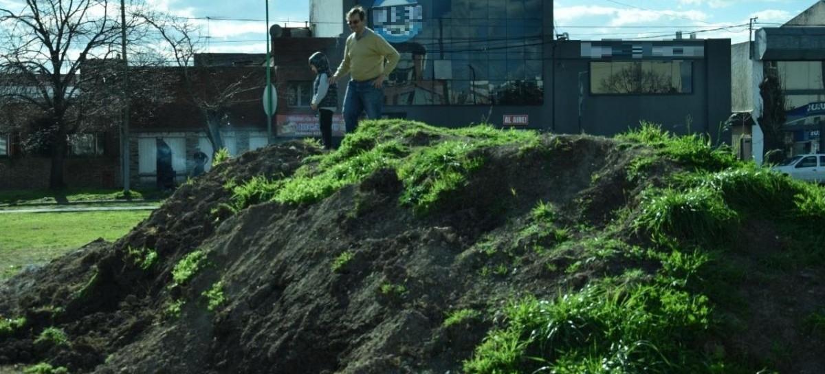 La Plata: Un relevamiento vecinal comprobó daños con cemento en la rambla de las Avenidas 32 y 532
