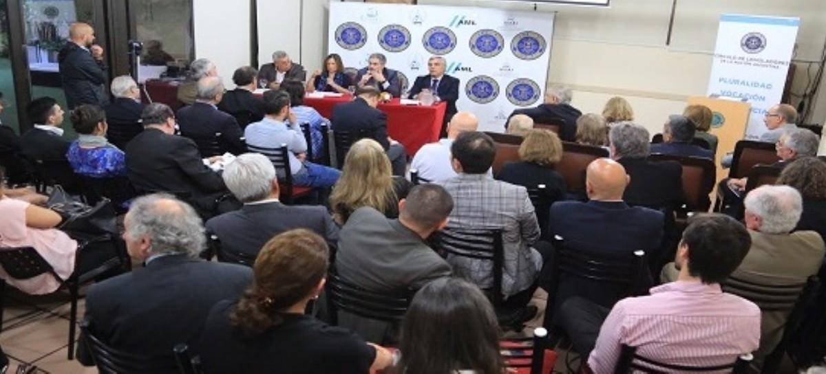 Crisis del sistema político, liderazgos y elección en Brasil, analizados por académicos y políticos