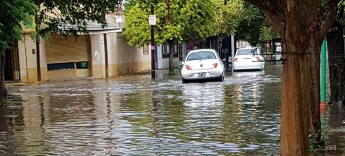 Madrugada de terror para habitantes de La Plata por el temporal de lluvia y vientos fuertes
