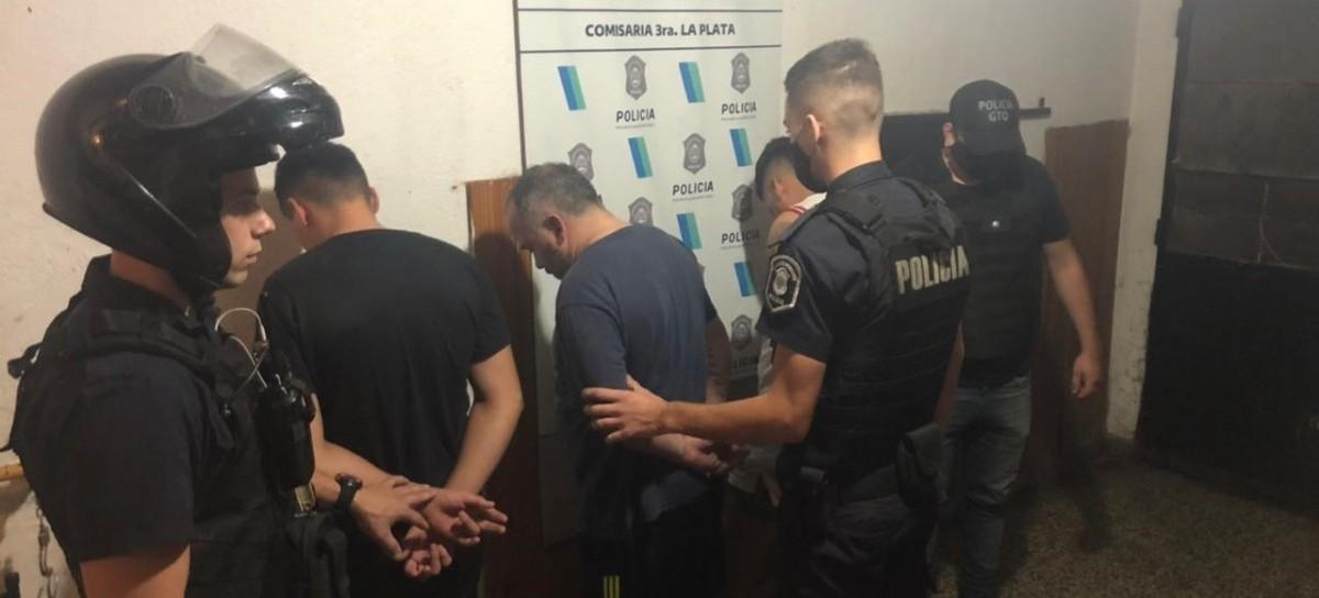 """La Plata: cuando llevaban detenido a peligroso delincuente, dos cómplices quisieron """"rescatarlo"""""""