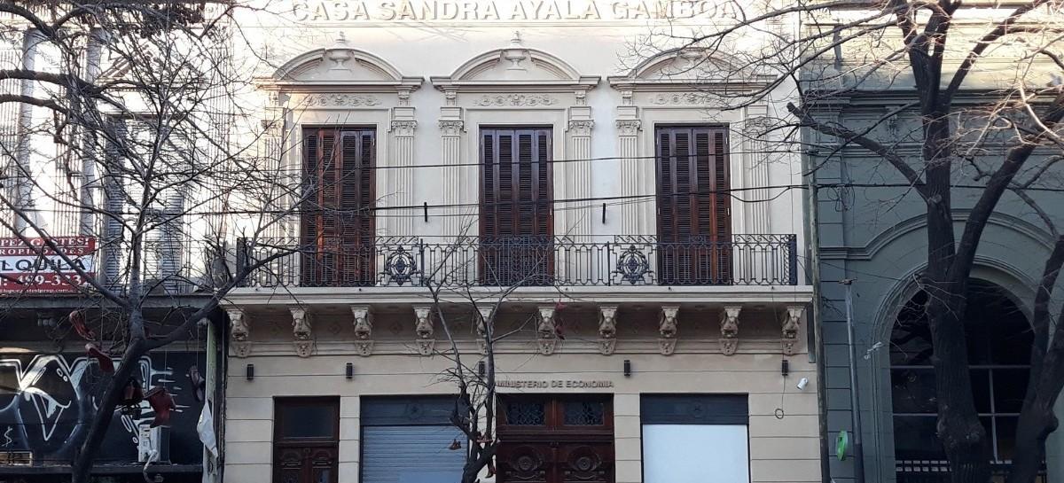 A 11 años de su asesinato, abrió la Casa Sandra Ayala Gamboa en una dependencia de Economía