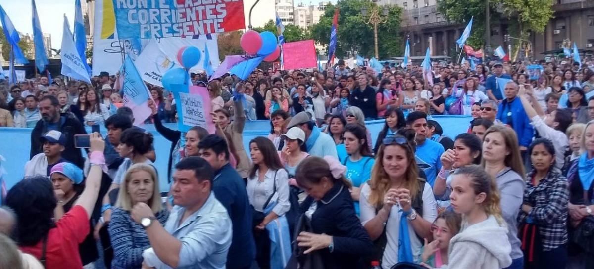 Fuerte manifestación en Congreso de grupos Pro Vida contra la implementación de la ESI