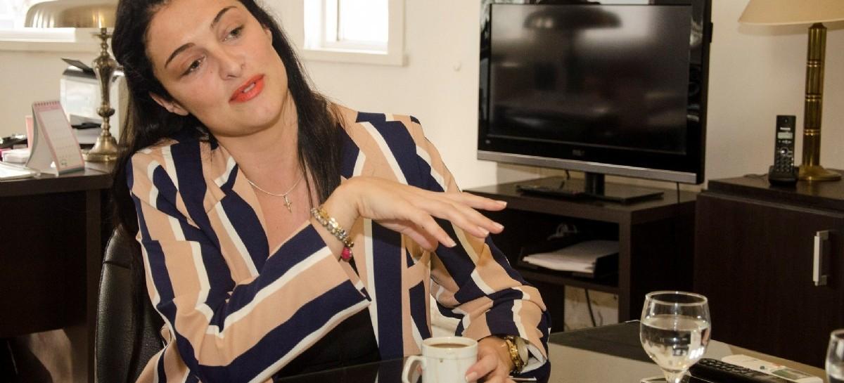 """El funcionamiento de los hospitales bonaerenses depende de una """"Dama de Hierro"""": Romina Rodríguez"""