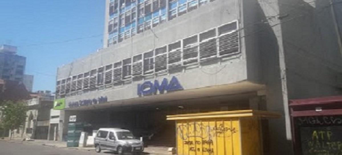 Por cobros indebidos, IOMA sancionó por diez meses a un médico de La Plata