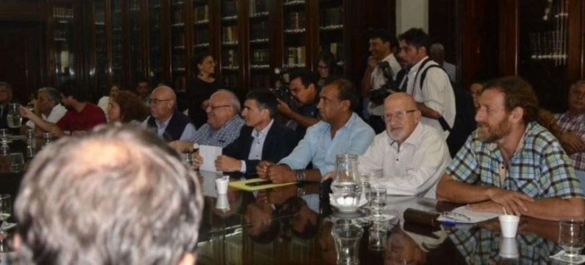 Nueva oferta del Gobierno de Vidal: empleados estatales llegan al 30 por ciento de aumento salarial