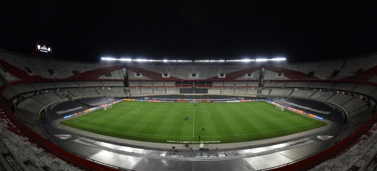 El Gobierno oficializó el regreso del público a las canchas de fútbol