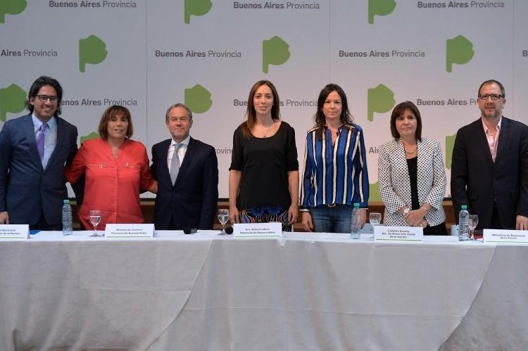 Rodeada de ministros nacionales, Vidal encabezó la apertura del Consejo de Lucha contra la Trata. Vidal junto a ministros nacionales.