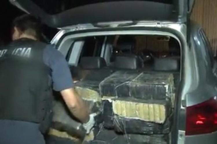 Escándalo narco en Navarro: secuestran 500 kilos de marihuana en un aeropuerto del municipio.