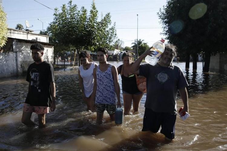 Prorrogaron el pago del impuesto inmobiliario en las zonas inundadas y devastadas por el fuego.