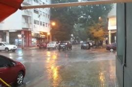La Plata: dos muertos por el temporal que afecta también a varias ciudades del Conurbano