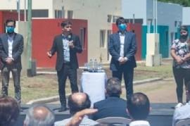 Daireaux: el gobernador Kicillof hizo entrega de casas financiadas por el Instituto de la Vivienda