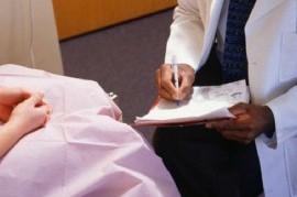 Ezeiza: detuvieron a un médico que se masturbó y eyaculó en la espalda de una paciente