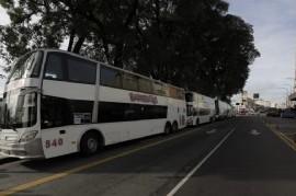 Reforzaron con micros las líneas de trenes Roca, Sarmiento y San Martín para el regreso de pasajeros