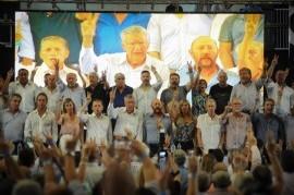 """El peronismo votó a favor de la incorporación de Massa y gobernadores a un """"Frente Patriótico"""""""