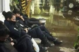 Indignante trato a mujeres policías afectadas al operativo por el Encuentro Nacional de Mujeres