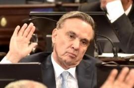 "Pichetto: ""En un país serio, los extranjeros que provocan incidentes en un Congreso, son deportados"""