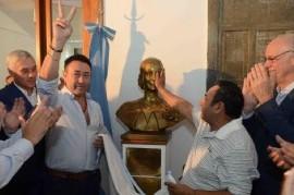 Fueron restituidos en el ministerio de Salud bonaerense los bustos de Perón y Evita