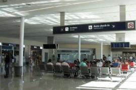El Gobierno bonaerense dispuso aislamiento domiciliario de los pasajeros que llegaron de Inglaterra