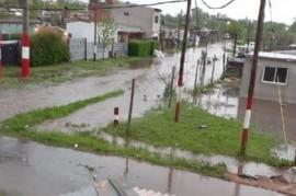 La Plata sigue inundándose: a los vecinos de la localidad de Arturo Seguí les toca padecerla