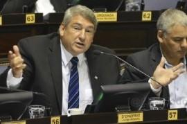 """Un diputado quiere ser gobernador para """"declarar la guerra a narcos, chorros, violadores y asesinos"""""""