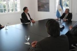 El presidente se reunió con científicos que realizan la investigación del suero equino hiperinmune