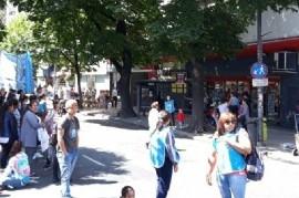 """Protesta de Barrios de Pie en Carrefour La Plata: """"NO a los aumentos, Sí al control de precios"""""""