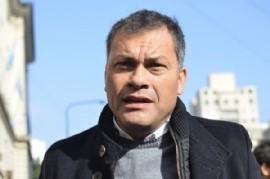 """El intendente de Moreno, Walter Festa, sacó los """"Trapitos al Sol"""" con su sucesora, Mariel Fernández"""