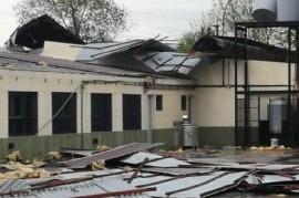La Escuela N° 10 de Guernica sufrió este viernes los efectos devastadores del temporal
