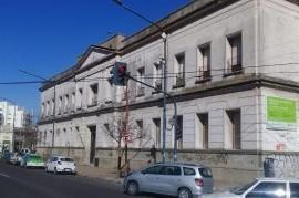 Daño incomprensible: vándalos rompieron instalaciones de la Escuela N° 8 de La Plata