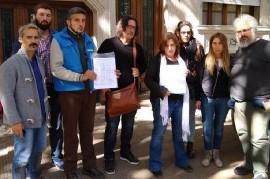 Docentes de La Plata siguen sin cobrar sus sueldos