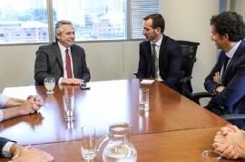 El presidente electo Alberto Fernández recibió en su oficina al CEO global del Grupo Carrefour