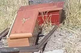 """Almirante Brown: sorpresa por un """"cementerio improvisado"""" en el circuito ciclista de Glew"""