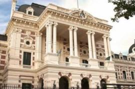 Sin su propia Ley y ante la emergencia, Kicillof formalizó la prórroga del Presupuesto 2019