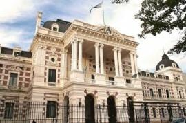 El Gobierno de Kicillof extendió hasta el 1 de diciembre de 2021 el cobro de deudas a los municipios