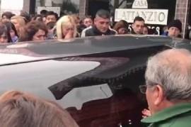 Dolor: Despidieron los restos de la vicedirectora y el portero muertos en la escuela de Moreno